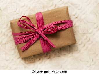 gift wrap with pink bow