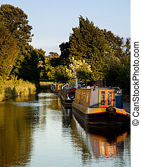 Old canal barges at Ellesmere - Row of canal barges on the...