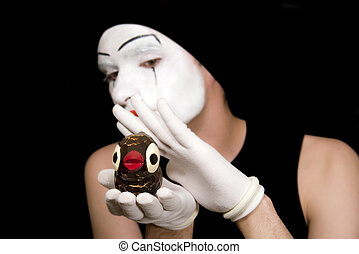 Portrait of the mime with toy birds