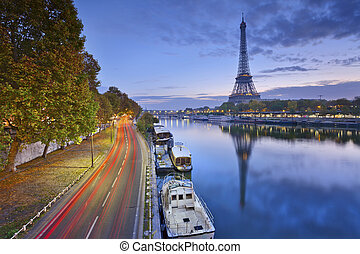 Eiffel tower in Paris, France. - Image of Eiffel tower with...