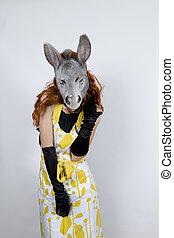 burro, ama de casa, en, tarde, Vestido,