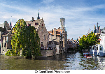 Brugge - Traditional house on the canal. Brugge, Belgium