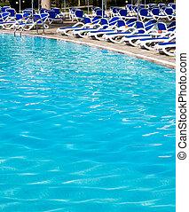 swimming pool - Beautiful swimming pool in hotel