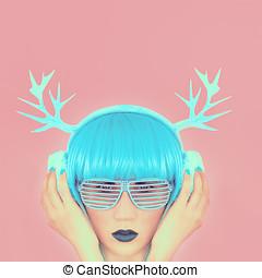 girl fashion music horns
