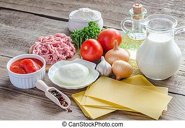 ingredientes, para, Lasanha, ligado, a, madeira, fundo,