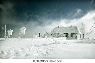 Frozen hut meteo station - Frozen cottage in the high...