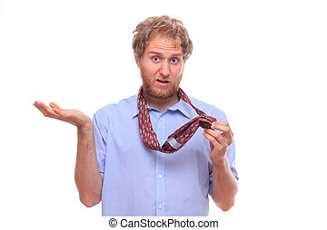 Man do not know how to tie a tie