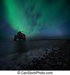 Islândia, norte,  hvitserkur