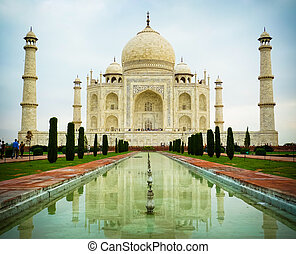 Taj Mahal low angle front view - Low angle front view of Taj...