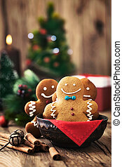 Gingerbread man - Christmas food Gingerbread man cookies in...