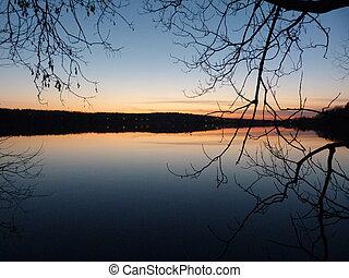 lac Waterloo - Automne 2013 coucher de soleil sur le lac...