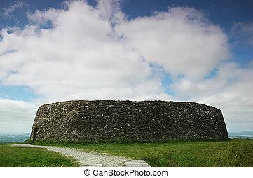 The Grianan of Aileach (Irish: Grian?n Ailigh, sometimes...