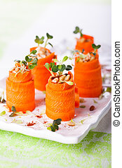 Carrot Roll-Ups - Raw Carrot Roll-Ups with hummus and...