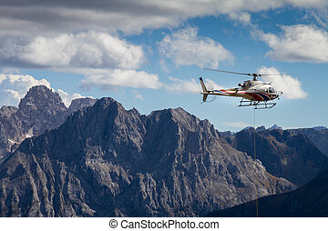 Helikopter in den Dolomiten - helicopter in the dolomites
