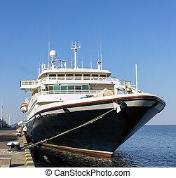 Cruise ship came into the port