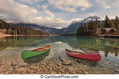Canoe adventure on Emerald Lake
