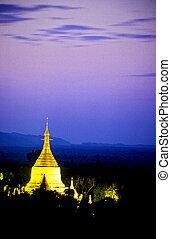 Schwezigon Pagoda- Bagan, Burma Myanmar - Golden stupa of...