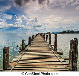 U bein bridge, Taungthaman lake, Amarapura, Burma. It is the...