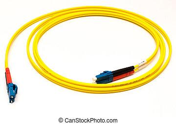 Glasfaserkabel gelb aufgerollt - Ein Glasfaserkabel LC in...