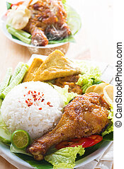Malaysian food nasi ayam penyet - Famous traditional Malay...