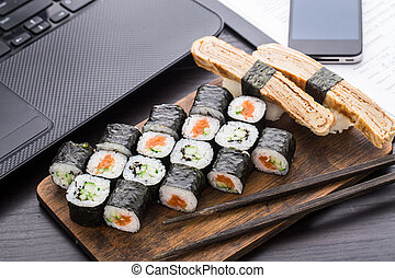 Quick sushi lunch in the office - Quick lunch in the office...