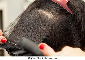Straighten Hair - Hair straightening by a hairdresse