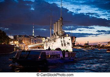 Cruiser Aurora 1217 - Night photo of the cruiser Aurora,...