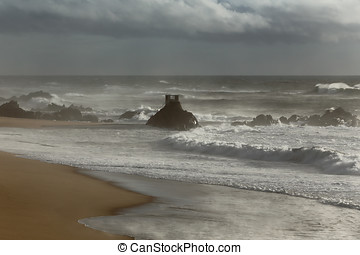 Moody beach - Beautiful empty beach from the north of...