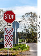 unbeschrankter railway crossing - a level crossing of a...