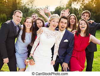 recién casados, con, huésped, Posar, en,...