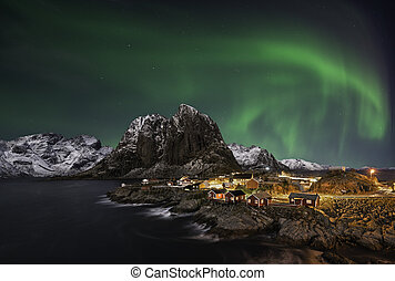 Hamnoy nothern lights - Beautiful aurora over Hamnoy, in the...