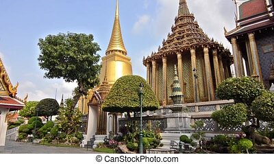 thai royal palace - the grand palace in bangkok, phra...