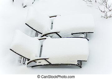 snow-covered garden furniture, symbolfoto restaurants and...