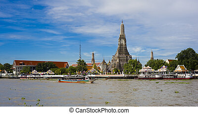the arun temple in bangkok photographed from the chao phraya river