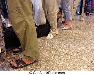 legs luggage queue