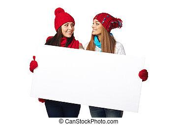 dois, Inverno, Fêmeas, com, bandeira,