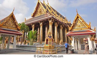 thai royal palace in bangkok - the grand palace in bangkok