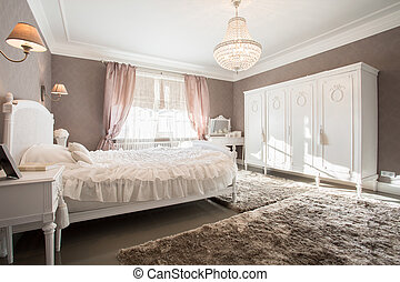 Enormous bedroom - Enormous luxury old fashioned bedroom...