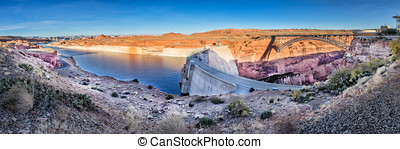 Glen Canyon Dam and Lake Powel in Arizona