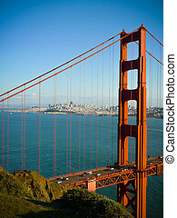 Golden Gate Bridge close vertical - Golden Gate bridge...