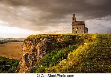 antigas, romana, igreja, em, pôr do sol, em, Drazovce,...