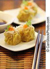 Chinese Steamed Pork Dumplings