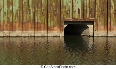Don River culvert Toronto - Steel wall and culvert draining...