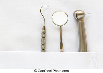 Dentist Pocket With Mirror and tool