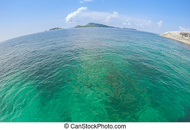 Ocean view in sunny summer day - Tropical beautiful Sea with...