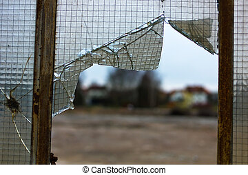 damaged glass, crisis and economic slowdown in the industry,...