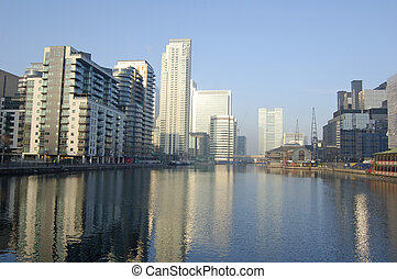 London-15-0170 - Apartment buildings at Millwall Dock in...
