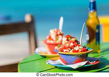 Bahameño, concha, ensalada,