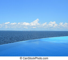 Endless swimming pool - Endless swimming pool overlooking...