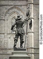 Maisonneuve statue